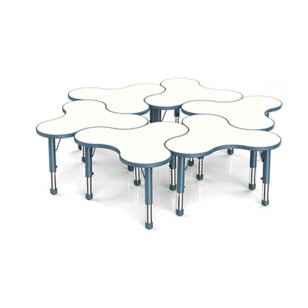 三葉草形桌子